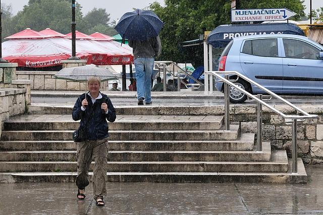 Heike hat Schirme besorgt